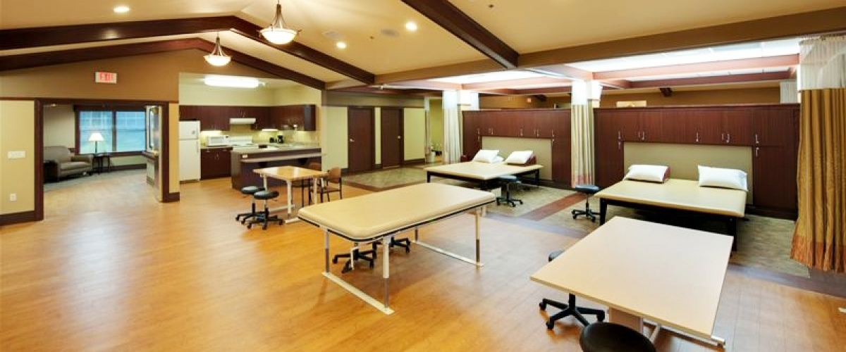 De Pere Rennes Health & Rehab Center Therapy Gym