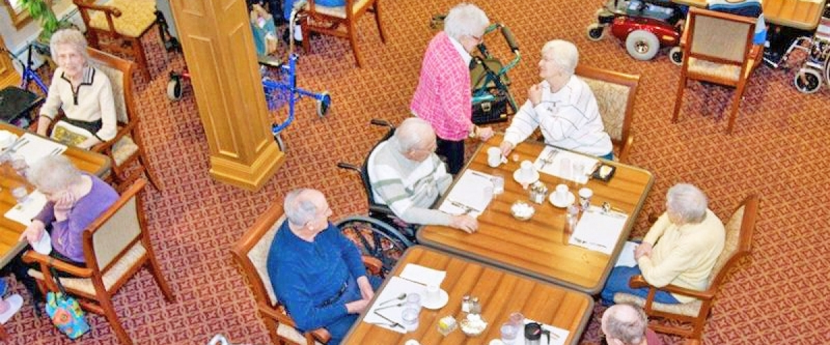 Wisconsin Rapids Renaissance Assisted Living Dining Overlook